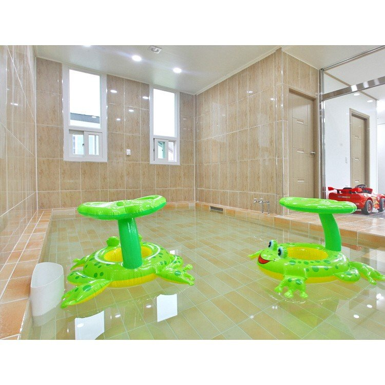 실내 온수수영장